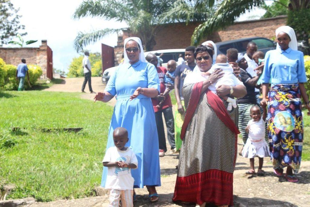 Accueil de Mme Marie NDABIGEZE dans l'Orphélinat Marie Mère de la Consolation